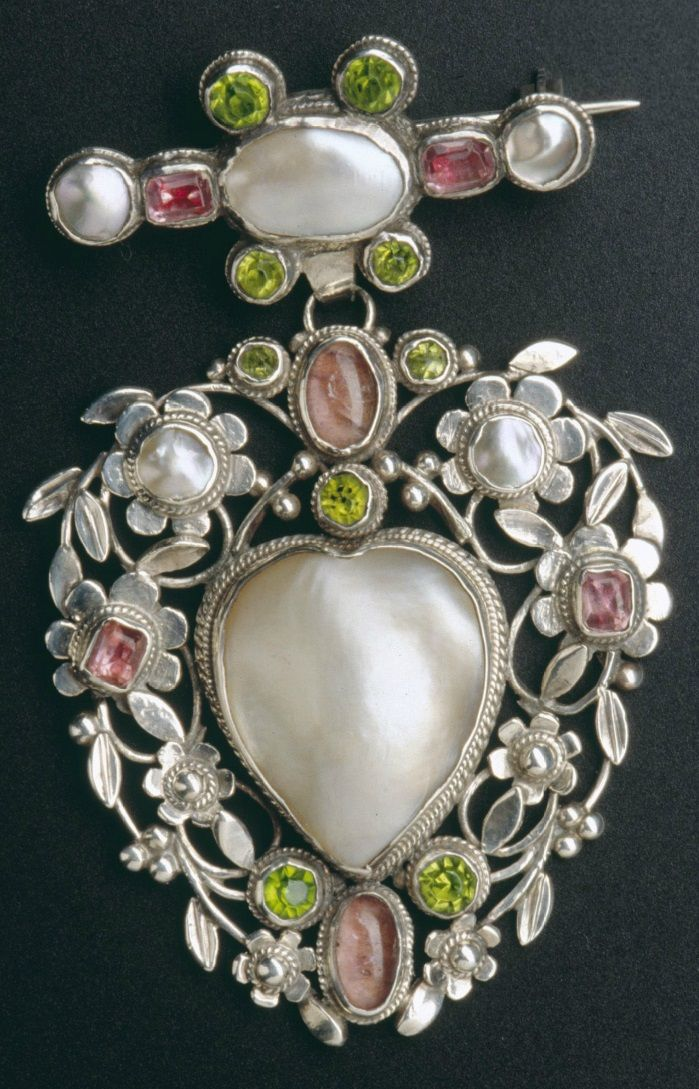 Arthur And Georgie Gaskin An Arts And Crafts Brooch