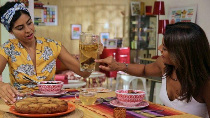 Chá de casca de abacaxi com cravo e canela - Receitas - GNT