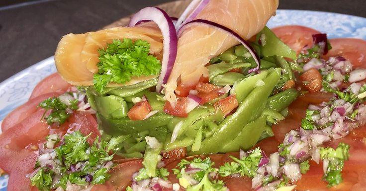 Cuisine-à-Vous - Gerookte zalm met torentje van snijboontjes en carpaccio van tomaat