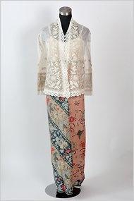 Indonesian sarung and kebaya top