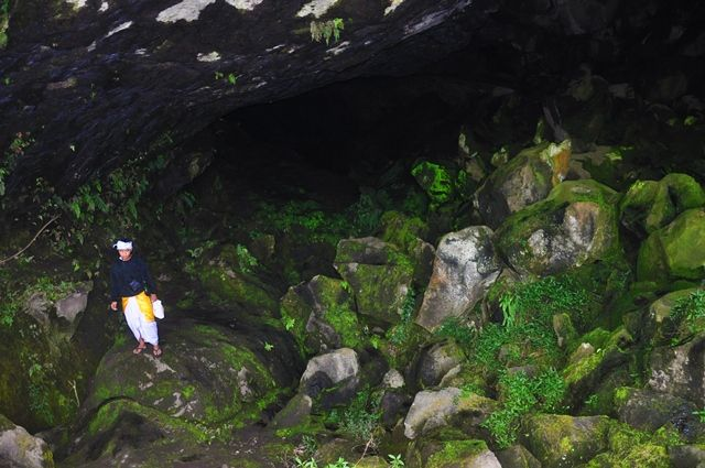 Balinese ceremony in cave at Mount Batur, Bali