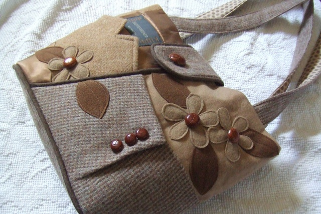 purse ideas for upcycling purses I find at the thrift stores