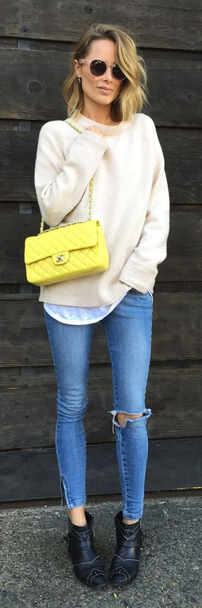 Yellow Bag Outfit Idea