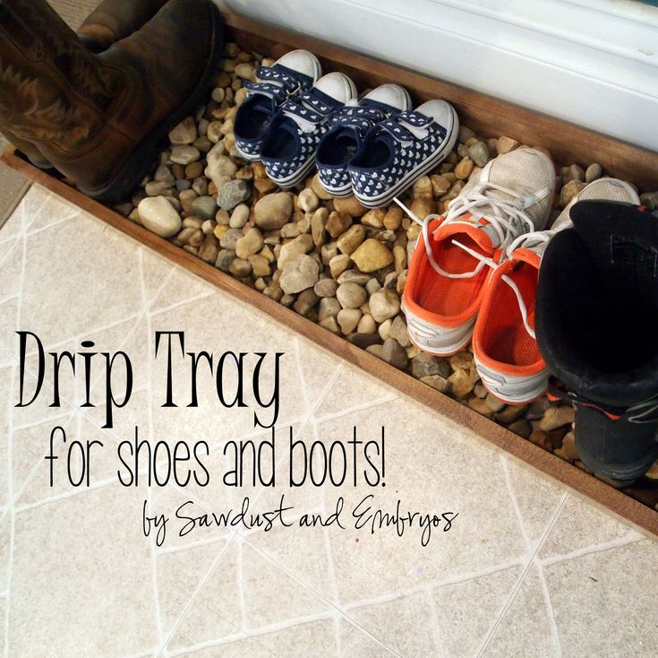 An awesome place to put muddy boots and shoes! {Sawdust and Embryos}