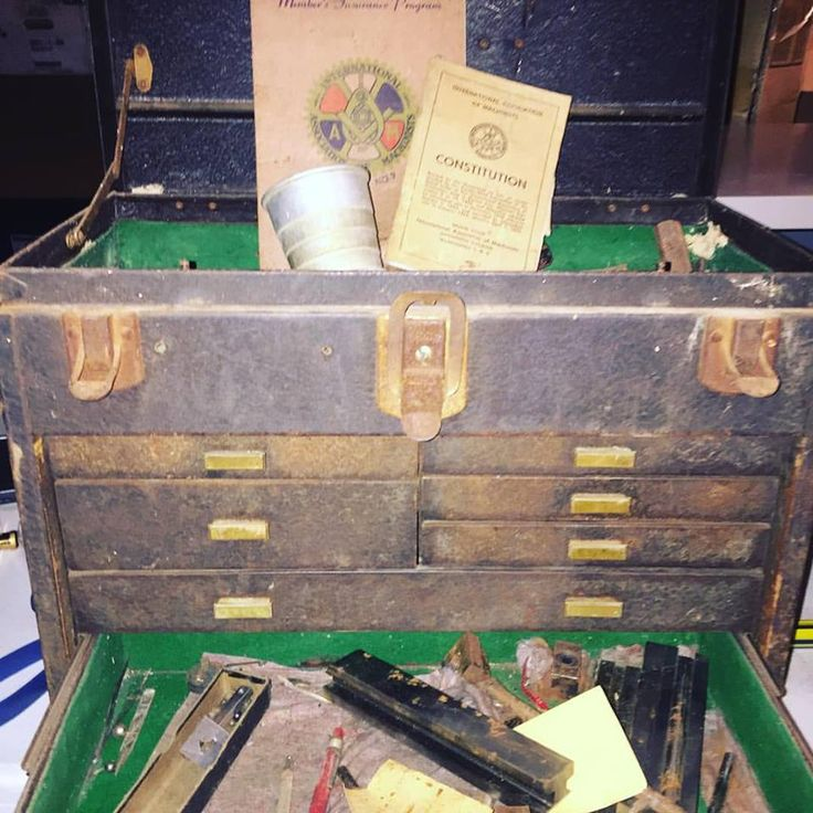 How cool is this machinists tool chest? The tools and handbook were still in it! We found it at a yard sale in Ohio! The Doubling Project