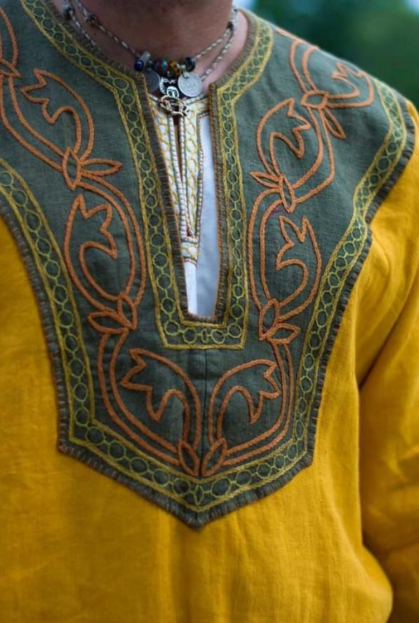 viking neckline embroidery, from http://lokislocker.net/index.php