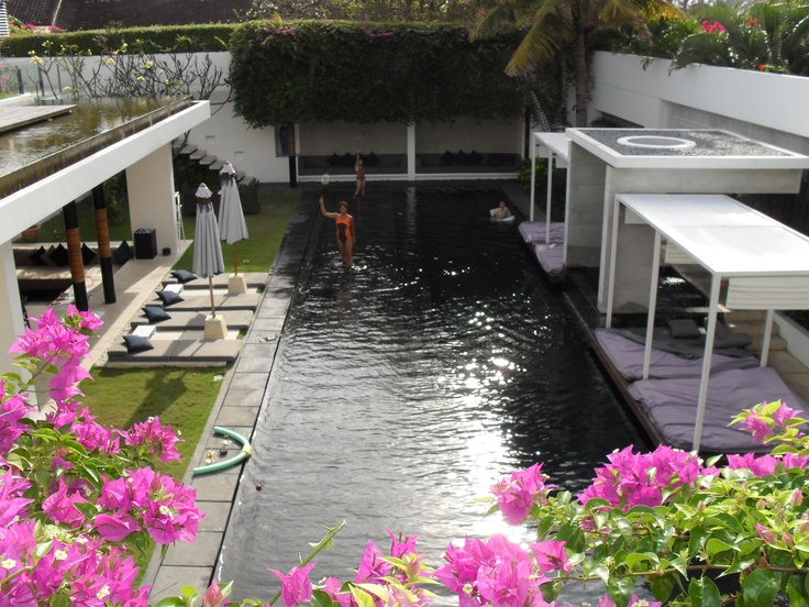 Aqua Villa at Seminyak is a luxurious 3 bedroom villa, a little bit too big for 5 of us, but we need a privacy too some times...