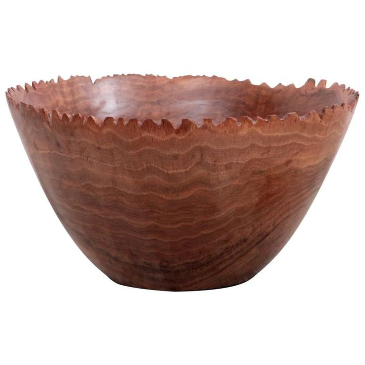 Large turned wood bowl by German craftsmen Eckart Mohlenbeck in walnut with a very special edge, 2017 - Contemporary Wood Turning