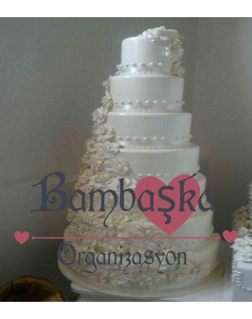 7 Katlı Maket Pasta Kiralama www.bambaskaorganizasyon.com
