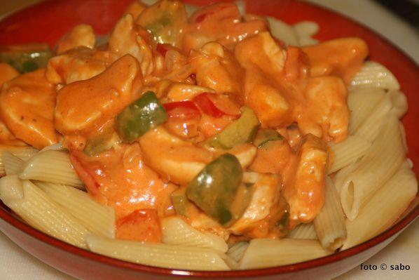 Schnelle Paprika-Hähnchen-Sauce