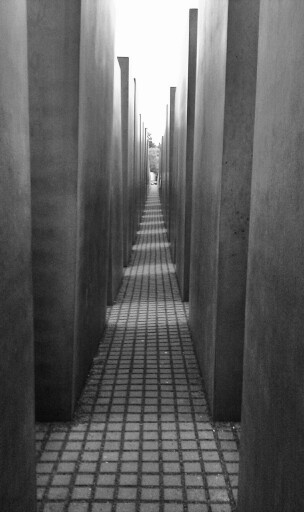 Berlijn - 635 km - Holocaust Monument; this is without a shadow of a doubt one of the most impressive monuments I've come across.