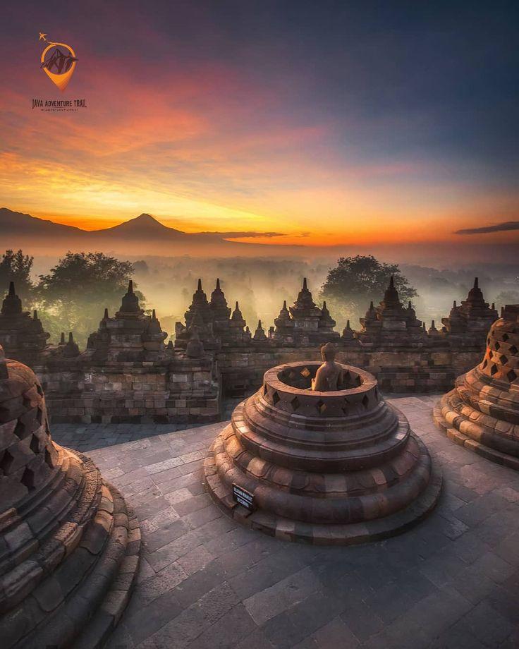 Borobudur Sunrise Tour From Yogyakarta. Borobudur Tour Package