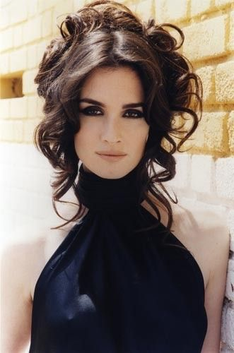 Paz Vega Hair: Loose ahead, collected from behind. color