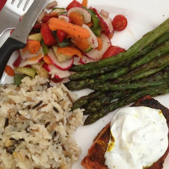 Salmon with dill yogurt sauce Wild rice, asparagus, and raw veggie ...