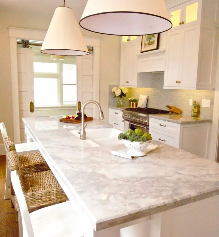 22 White Kitchens That Rock: 17 Best Ideas About Super White Granite On Pinterest