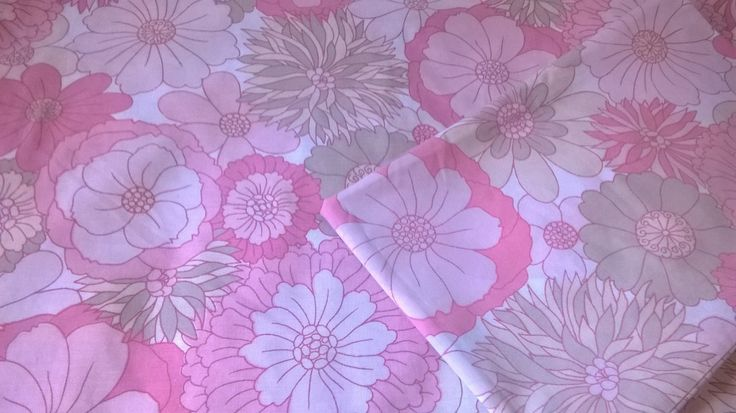 SOLD - Vintage 1960's single (twin) duvet set, pink, retro floral, St Micheal's (Marks and Spencer). by BlindDogVintage on Etsy