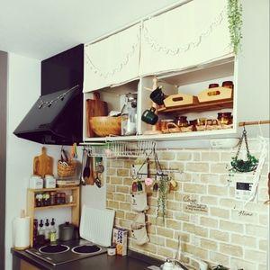 シンクの壁に淡いレンガ調シートをぺたぺた。お皿洗いも楽しくなりそうです♪<br><br>↓大きな写真を見る<br>http://roomclip.jp/photo/qWbV