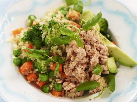 Quinoa salad with tuna