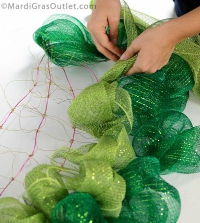How to make your own work Wreath/watermelon deco mesh wreath tutorial how to