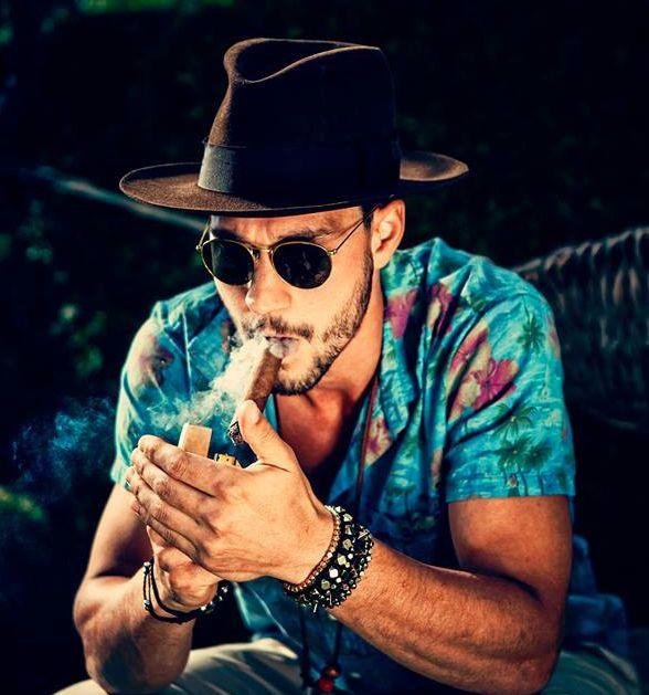 beard, sunglasses holiday hat style men fashion tumblr sigar.