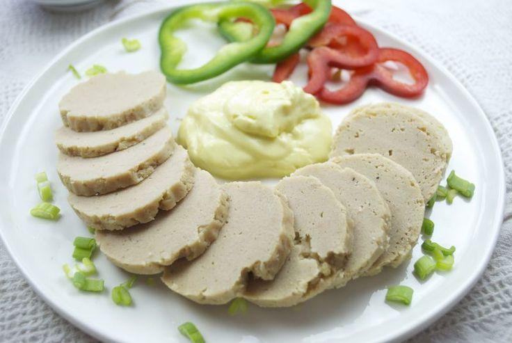 Salame di tonno, salsiccia di tonno E' una specie di salsiccia cotta composta da tonno in scatola e una base di uova, pane e parmigiano. Oltre a mescolare