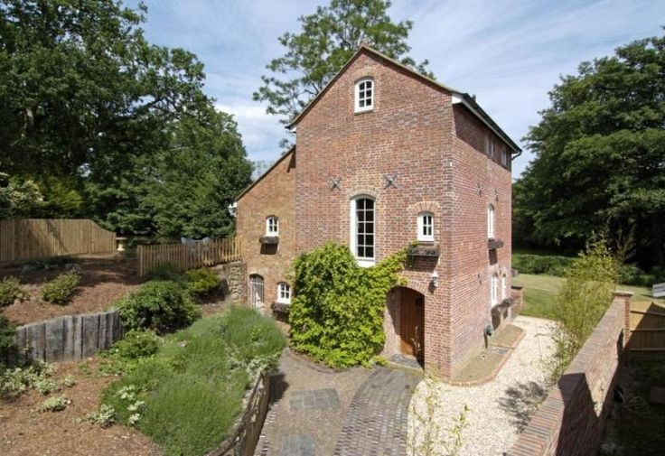 The Corn Mill is a former mill house thought to originate circa 1805.   http://www.johndwood.co.uk/property-for-sale/3-bedroom-house-in-Ide-Hill-Road-TN8/CCS150036/