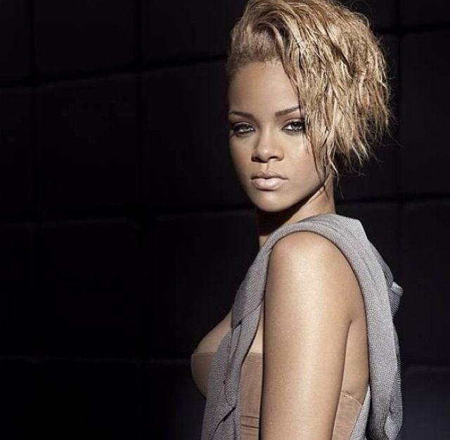 Rihanna Rihanna Russian Roulette Aol 88