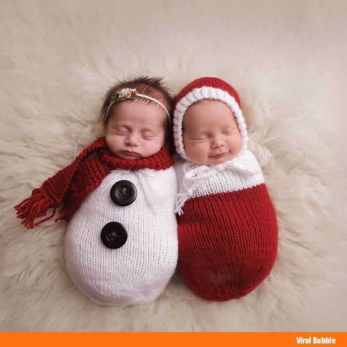 10+ Adorable Newborn Babies Celebrating Their First Christmas - http://viralbubble.com/10-adorable-newborn-babies-celebrating-their-first-christmas/