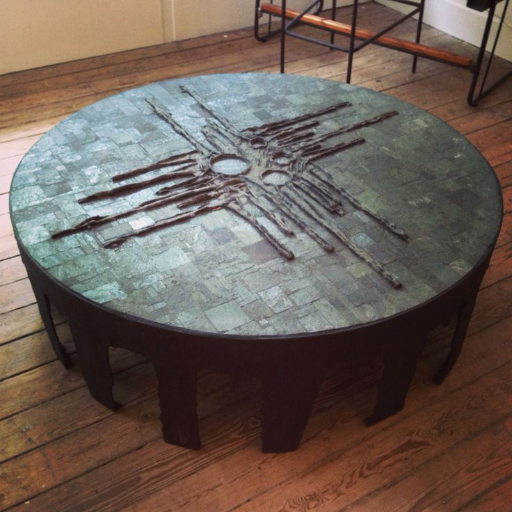 Pia Manu table