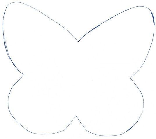 Printemps oblige voici le coussin parsemé de papillon . Il va bientôt partir chez ma copinette , en attendant si ça vous dit voici le modèle du papillon (coudre le tissu endroit contre endroit , faire une petite fente sur une face de la bête et retourner...