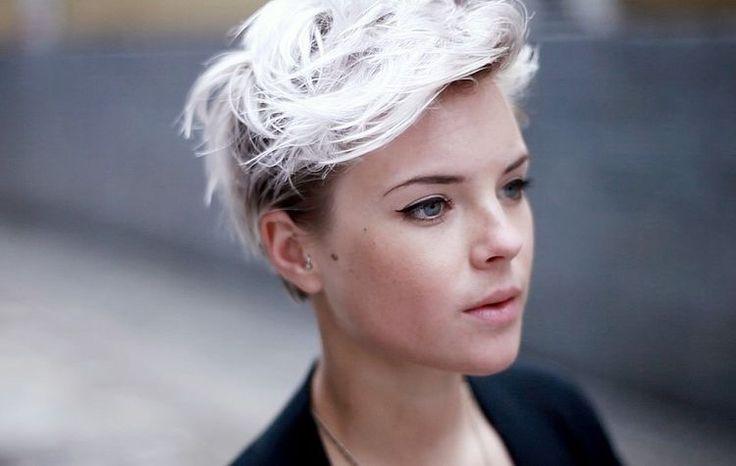 Belles coiffures blanc ! Coupe Courte Femme Coupe