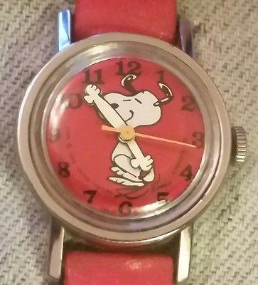 ladies vintage manual wind timex snoopy watch