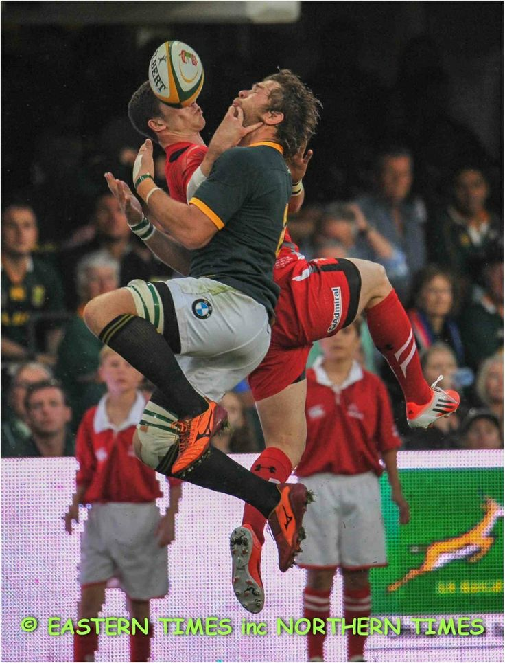 Duane Vermeulen Takes another high ball