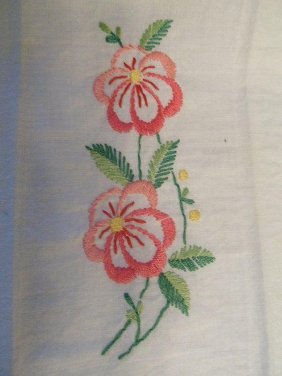 Oltre 25 fantastiche idee su tovaglioli su pinterest for Macchina da cucire salmoiraghi 133
