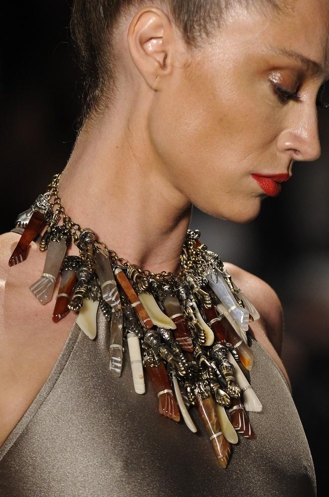 Colar Adriana Degreas. Mais acessórios em: http://abr.io/2GsN | Fotos Fotosite