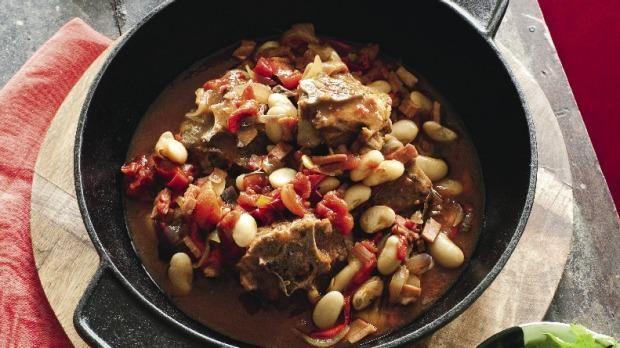 Lamb neck chops with ham, sherry vinegar & smoked paprika  / Cordero con jamón, vinagre de jerez y pimentón ahumado (c) Stuff Life & Style