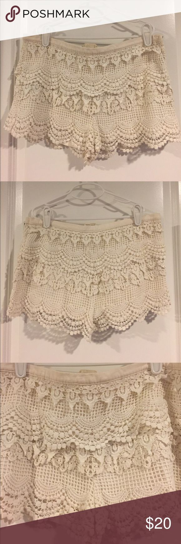 Urban Outfitters Crochet Shorts - Size 4 Cream colored crochet lace shorts from Urban Outfitters. Side zip. Size 4. Urban Outfitters Shorts
