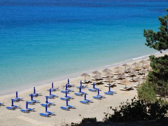 Makrys Gialos beach
