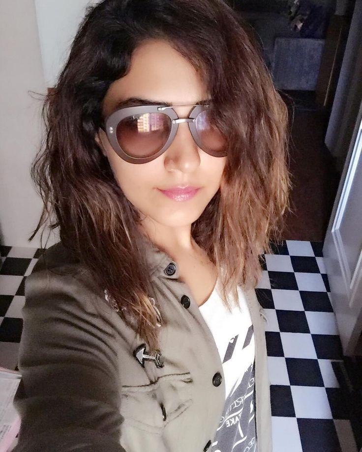 The mazedaar #GoggleSong drops tomorrow from the soundtrack of #mubarkan Much love to my goggle wale @amaal_mallik  @armaanmalik