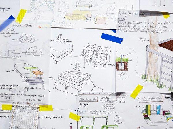 英国のデザイナー、トム・ディクソンはイケアで棺をつくるかわりに新たなベッドをつくり出した。「Delaktig」と名付けられたそのベッドは、ソファや長椅子にも変形し、サイドテーブルのような付属品もつけることができる変幻自在の一品だ。これならイ
