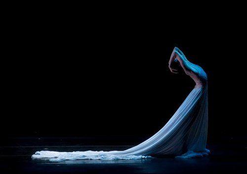 Irina Dvorovenko in Splendid Isolation III.    Photo (c) Liza Voll Photography.
