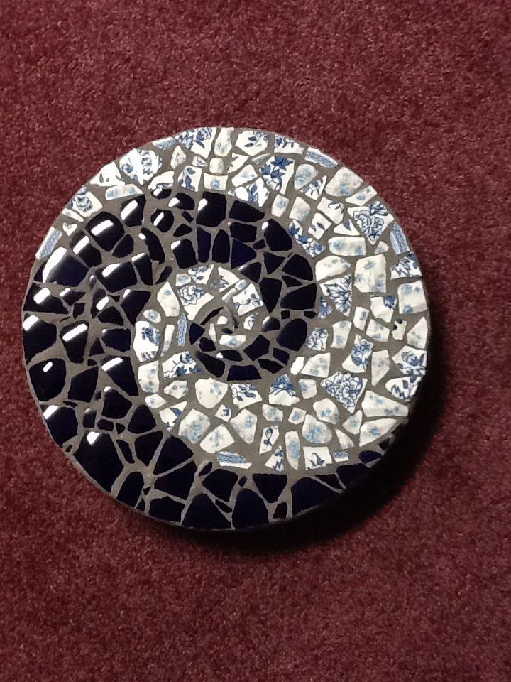 mavrk mid 2 black chlorine blue Mosaic stepping stone