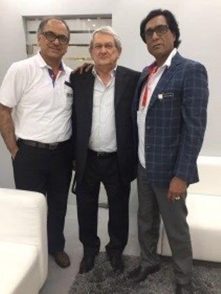 At #DRUPA, #Comiflex Shakes Hands with #Uflex to #MakeInIndia