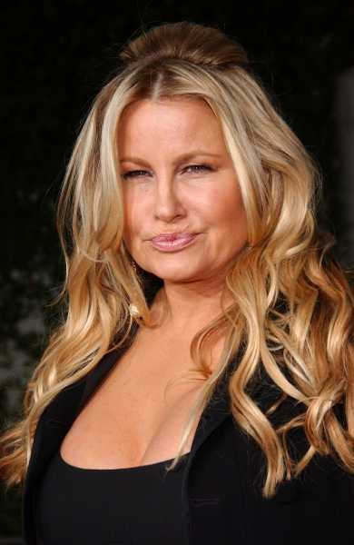 Jennifer Coolidge - She is hilarious on 2 Broke Girls!