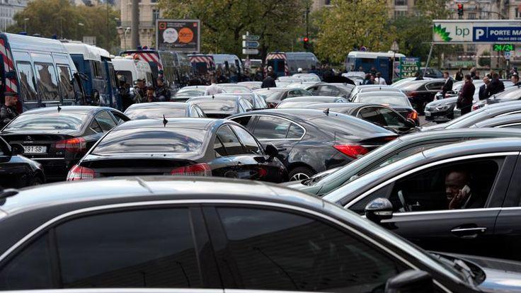 VTC : Uber concurrencé par une application de ses propres chauffeurs Check more at http://info.webissimo.biz/vtc-uber-concurrence-par-une-application-de-ses-propres-chauffeurs/
