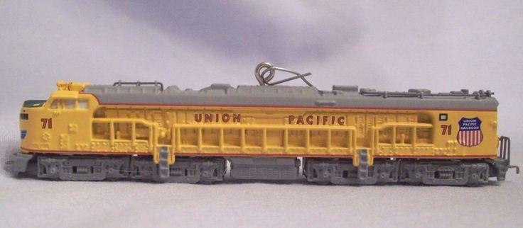 Hallmark Keepsake Lionel Train Series #11 Union Pacific Veranda Turbine Locomotive 2006 Measures 4 3/4 in long . Side of the Loco has the numbers 71 Die cast metal so will last for years.