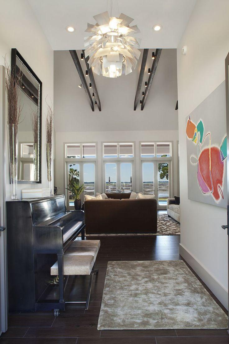 Amanda Webster Design: Classic Contemporary Interior Design / Photo: Neil Rashba