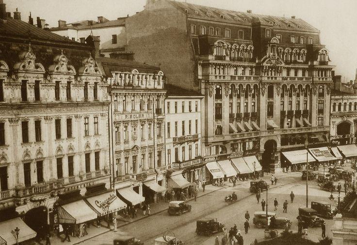 Calea Victoriei, anii 20 Hotelurile Continental şi Riegler