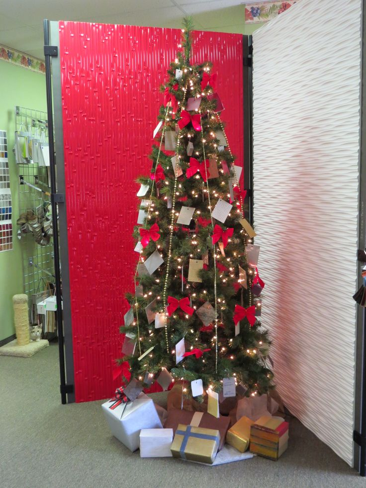 Our Roos tree with samples! Don't you love it!