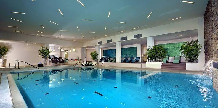 #gresporcellanato bocciardato per rivestire i #pavimenti esterni e interni di SPA, #Wellness e piscine